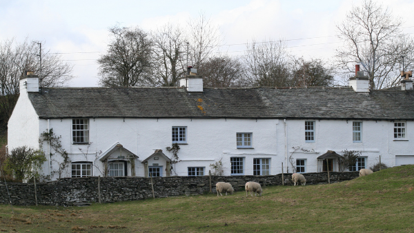 Farm cottages and employees: What rights do they have on a sale?